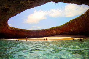 Playa Escondida in Marietas Islands