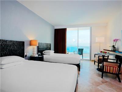 Krystal Grand Punta Cancun Hotel In Cancun Mexico Cancun Hotel Booking