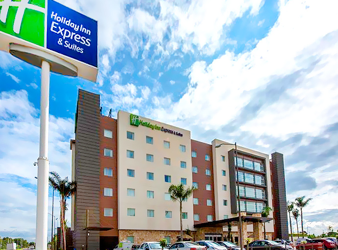 Holiday Inn Express & Suites Celaya