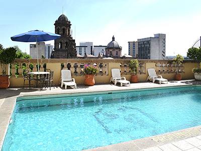Hotel santiago de compostela en guadalajara reserva de for Piscina hotel w santiago