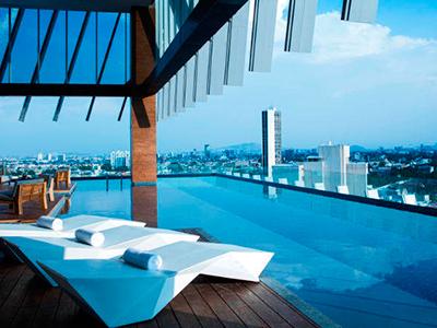 Ac hotel guadalajara m xico en guadalajara reserva de for Hoteles con piscina en guadalajara