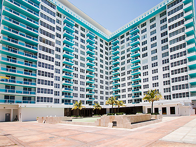 Seacoast Suites On Miami Beach In