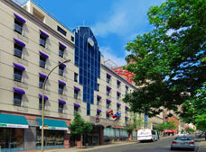 Best Western Plus Montreal Downtown Hotel Europa
