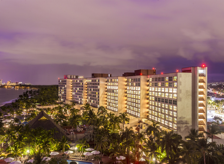 Sheraton Puerto Vallarta  Reserva tu hotel ideal a 18 MSI