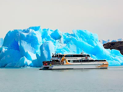 Navigation in the Argentinian Lake Tour - All Glaciers