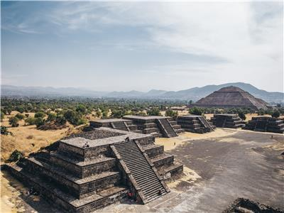 Teotihuacan Pyramids and the Basilica of Guadalupe Tour