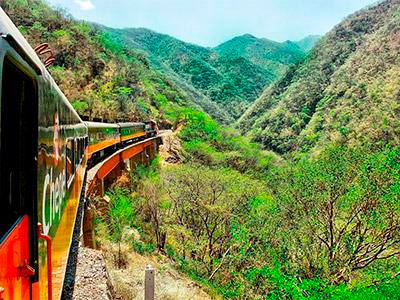 Chepe Train Chihuahua-Chihuahua with 2 Nights in Divisadero 6 Day Package