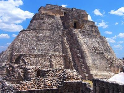 Tour Uxmal y Kabah