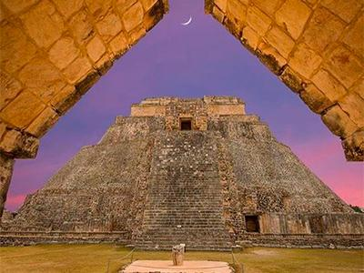 Uxmal Spectacular Night Tour | SPECIAL DISCOUNT