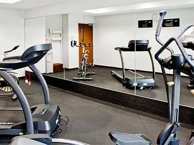 Hotel city express zamora for Gimnasio zamora